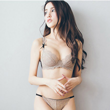 誘惑語言‧透明蕾絲貼身隱形胸罩