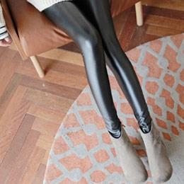 5折↘個性仿皮打底貼身內搭長褲