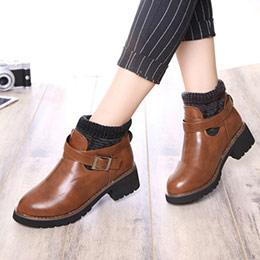 5折↘毛呢針織感皮帶扣飾短靴