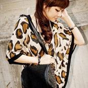 豹紋圖寬版罩衫式上衣