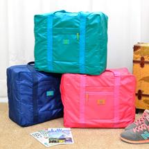 防潑水、可摺疊、輕盈布料,耐磨材質、透氣大容量,拉鍊小口袋可放置小物品,加強堅固手提帶耐用好搭配