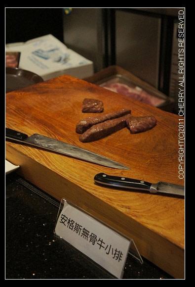 準備切塊的牛肉