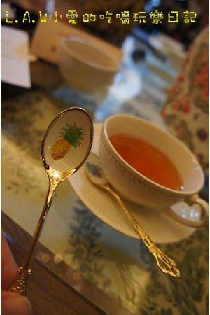 這個茶匙是鳳梨的耶!!真是可愛!!