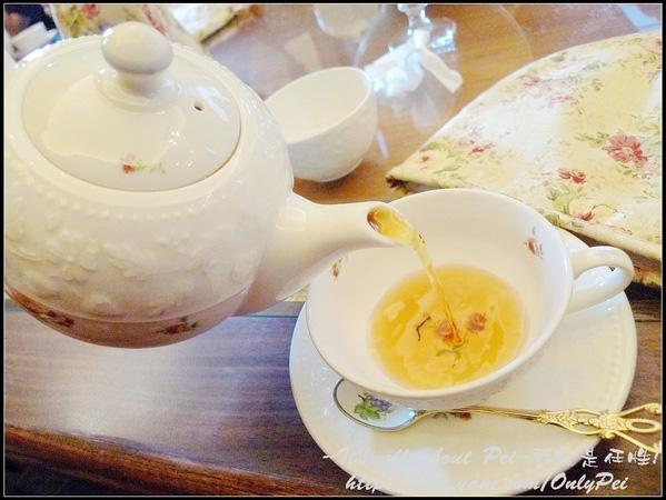 啊~~~~~~ 費了好大的功夫 終於可以喝茶啦!