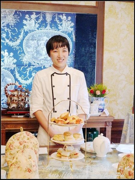 這位日本來的甜點師傅手井梨惠有著能溫暖人心的笑容 卡哇伊!
