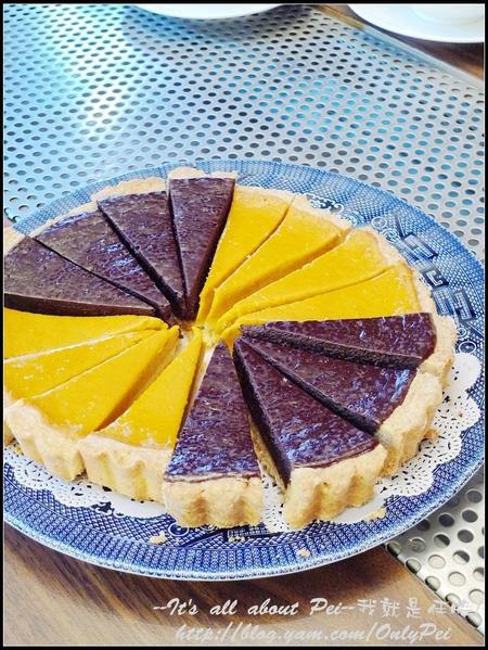 大理石蛋糕、巧克力派和南瓜派