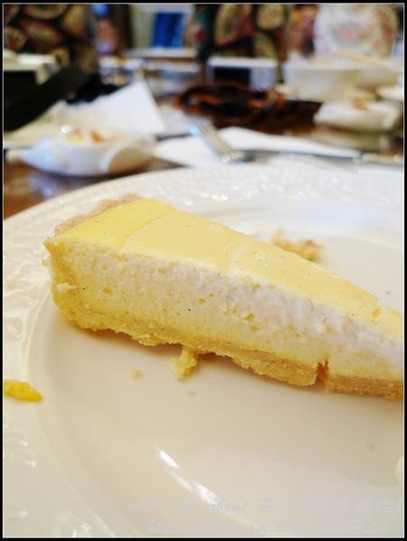 大理石起司蛋糕 端上桌時內餡的軟硬度剛剛好 十分細緻化口