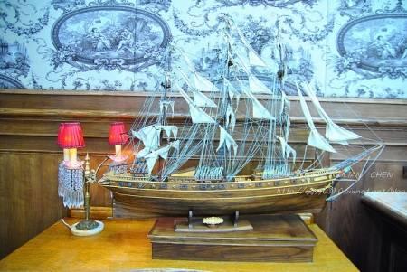 帆船曾是運輸主力,大航海時代除了文化的交流,經濟的活絡,許多原始文明紛紛滅亡,隨藏在征服的光榮背後。