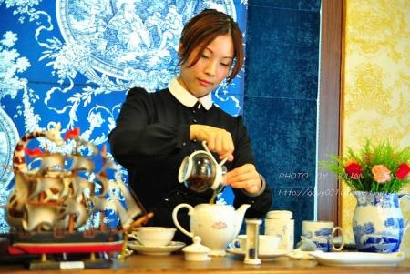 紅茶的香氣靠活水高溫來取得,高溫能將香味萃取出來