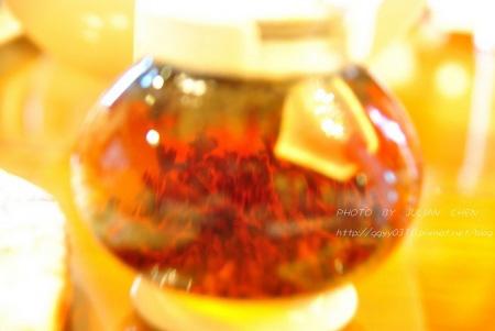 我的茶葉也在水裡漫舞~~~