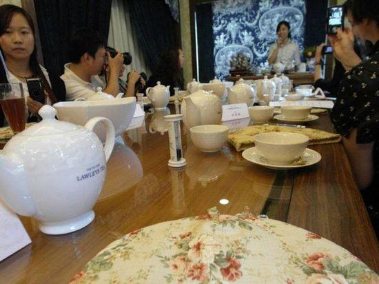 場景馬上跳到紅茶教室了