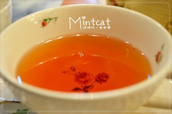 我挑選品嚐的是東方之夜風味紅茶