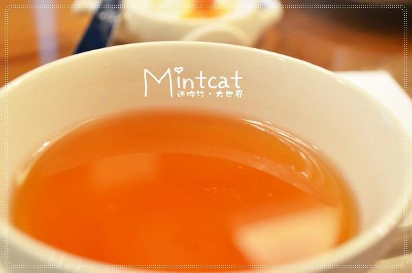吃點心時候店家另外準備了沖泡好的大吉嶺紅茶,果然專家泡出來的就是不一樣