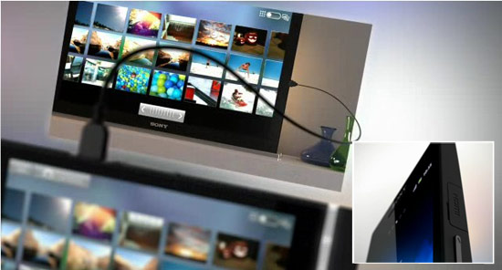 Sony Xperia S的機身右側設置了 microHDMI,搭配輸出線就可以提供輸出至大螢幕,瀏覽影像更過癮