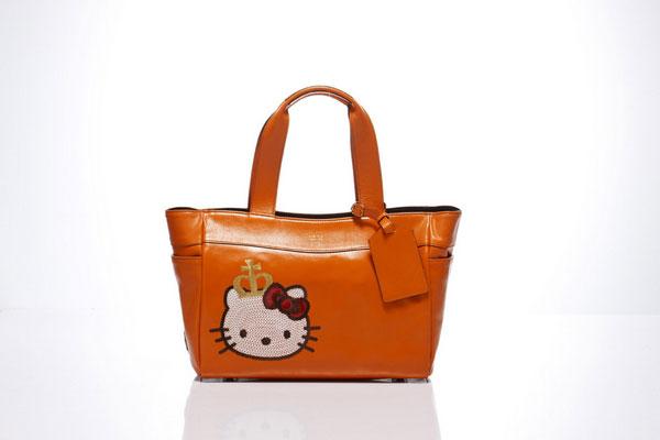 時尚品牌A.D.M.J為慶祝Hello Kitty40歲生日,特別推出限定的紀念包款