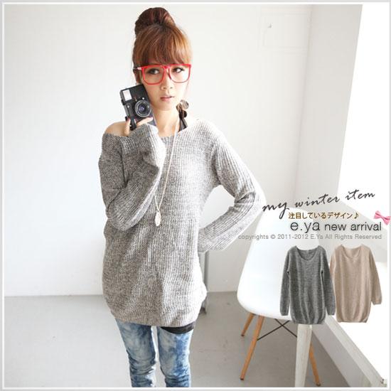 直線條跟混色織法讓單色毛衣穿起來不會很單調喔~
