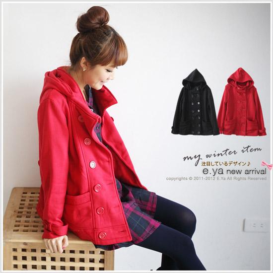 冬天一定要來一件紅色的外套,不僅氣色好也會得人疼喔(?)
