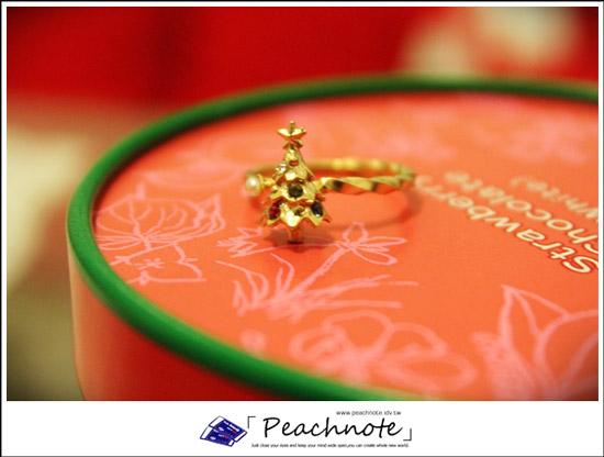 氣質路線少女必備的日本Kaza耶誕仙樹閃爍戒指