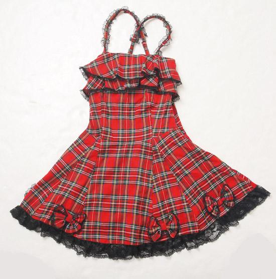 搖滾的格紋龐克LOOK,因為裙擺的蝴蝶結而變得甜美。