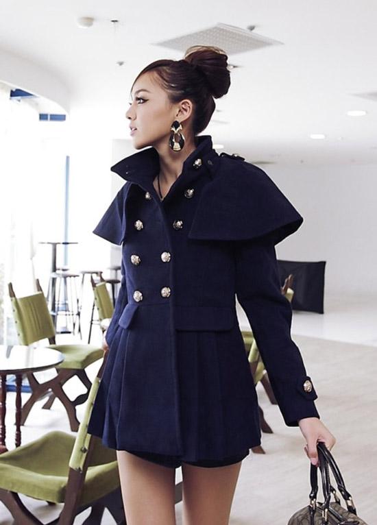 斗篷造型的外套是韓風外套第一大指標,整體質感也大大提昇許多