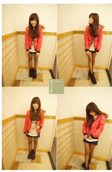 桃紅色外套的好處就是穿上就會讓整個人看起來很有精神~