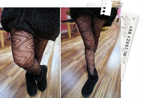 這麼高調的絲襪~我比較喜歡搭配長靴