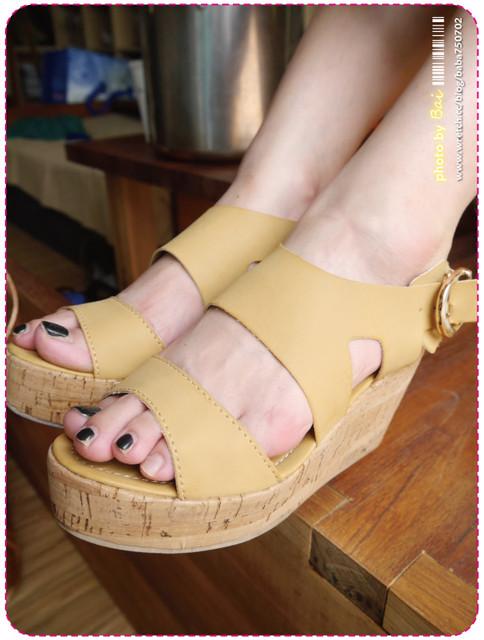 穿搭,夏折扣,大托特包,螢光色,樂福鞋