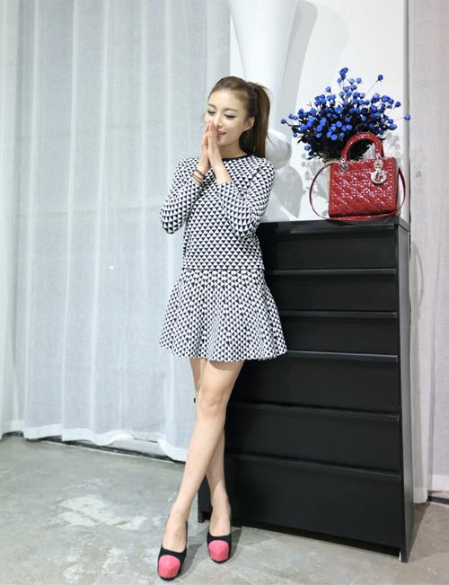 白鳥麗子‧韓版經典千鳥格針織毛衣短裙套裝