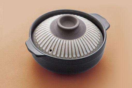 日本家家戶戶必備的廚房食器 - 土鍋